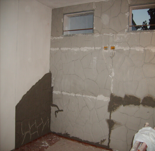 muro pietra rasato