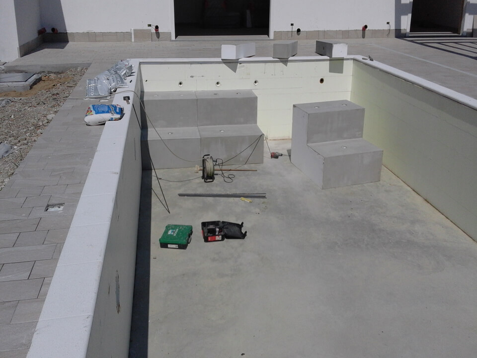 scala piscina su misura (3)