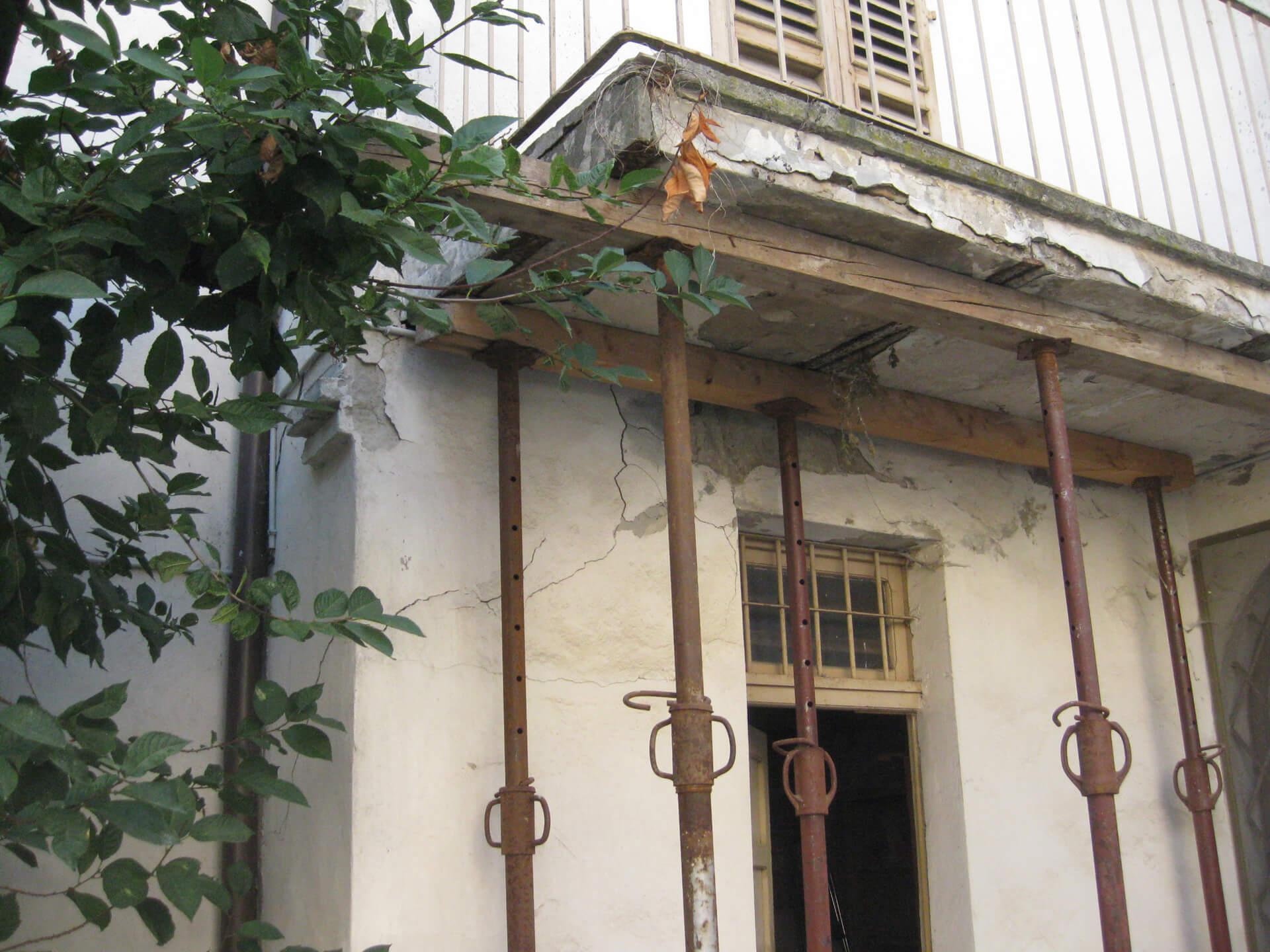 Balcone prima di intervento ripristino