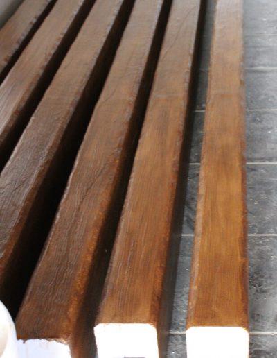 Travi effetto legno verniciate