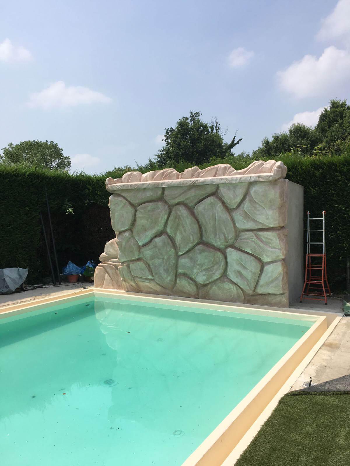 Cascata in polistirene per piscine