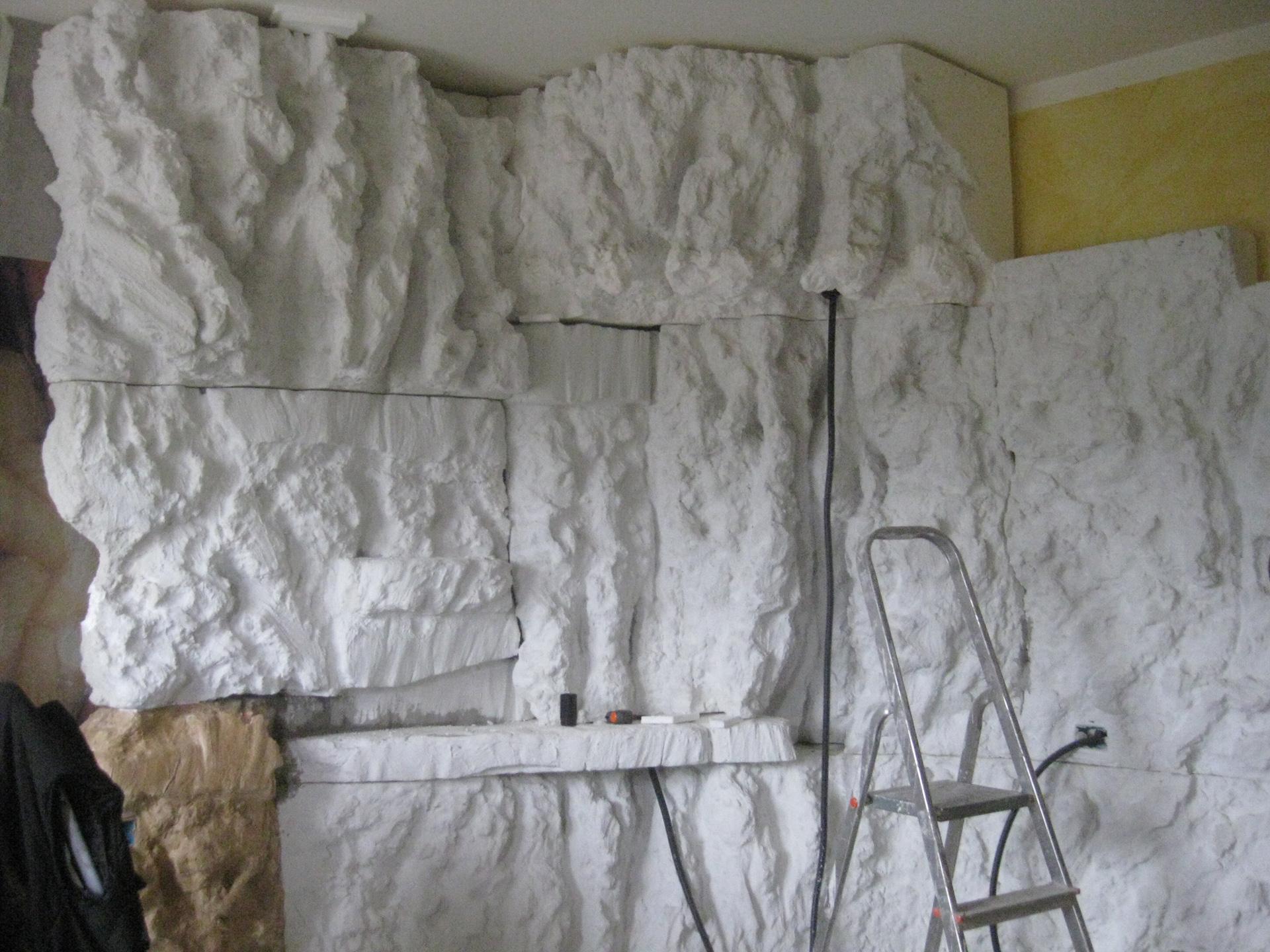 Parete effetto roccia al grezzo polistirolo