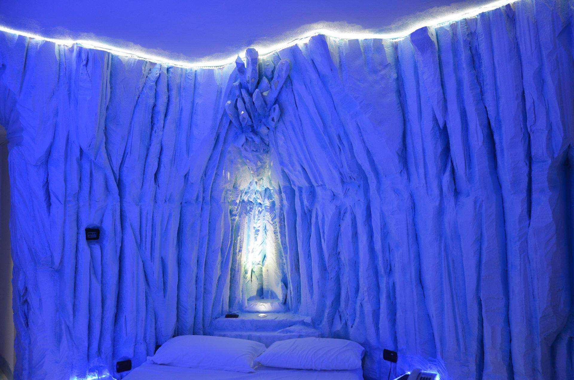 stanza a tema effetto ghiaccio in polistirolo